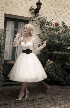 Wedding Dress Inspiration - Lovely Vintage Lace Dress x