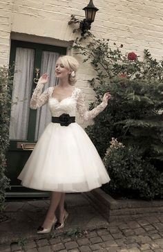 Wedding Dress Inspiration - Lovely Vintage Lace Dress x