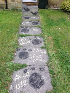 Gruffalo Party Theme - I drew chalk footprints up the pathway to the house with a quote from The Gruffalo's Child. by lea Second Birthday Ideas, Third Birthday, 3rd Birthday Parties, Birthday Party Decorations, Party Themes, Gruffalo Activities, Gruffalo Party, The Gruffalo, Gruffalo Eyfs