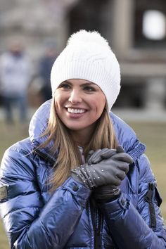Hannah is ready for a rugby match in Newport, Rhode Island on Monday with the guys! After The Final Rose, Becca Kufrin, Colton Underwood, Rachel Lindsay, He Has A Girlfriend, Hannah Brown, Season Premiere, First Dates, Celebs