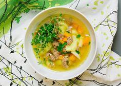 Smedstuas kjøttsuppe er familiens favoritt. Den minner oss om fine somre på Island, hvor de fristet med sin tradisjonelle kjøttsuppe med lammekjøtt og rotgrønnsaker. Du lager den på under halvtimen, så dette er perfekt hverdagsmat. Frisk, Fodmap, Thai Red Curry, Soup, Ethnic Recipes, Soups