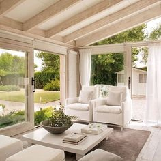 Sunshine. Check. Gorgeous scenery. Check. Huge windows. Check.  If only we could have a sunroom like this! It's the perfect place to lounge in the afternoon, no matter the weather.  Want privacy? Cover those windows with sheer linen draperies. Order free swatches in the bio. #myBWhome  via @el_mueble