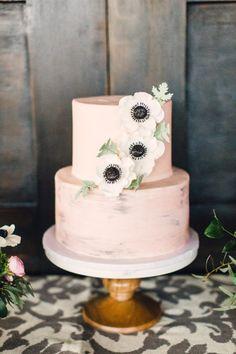 Blush cake with fondant anemone flowers: http://www.stylemepretty.com/2016/04/01/bridal-shower-inspiration-worth-stealing/ | Photography: Lauren Gabrielle - http://laurengabrielle.com/