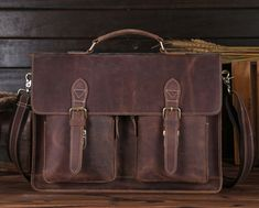 Men's Vintage Genuine Leather Briefcase Messenger Bag Laptop Tote BagsThis handmade leather bag is made with selected materials. The properties of Antique Crazy Horse Leather and vintage design make this item unique. A truly one of a kind item. All hand stitched, works excellent.Basic information:Dimensions: Width: 40cm/ 15.8 inchTall(Height): 29cm/ 11.5 inchThick: 9cm/ 3.5 inch Color:BrownIMPORTANT!!! Please, provide your correct delivery address and a...