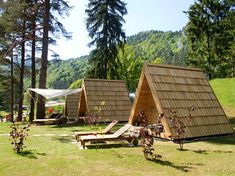 The success of glamping tourism business depends on smart planning and realization of desti-nation full potentials. Your glamorous site and accommodations are just the needed frame to fill with top hospitality experience, attractive touristic offer and activity programs.