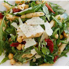 Arugula salad with penne, garbanzo beans and sundried tomatoes! Yum! Skinnytaste.com