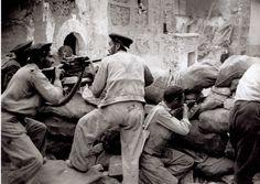 belchite_zaragoza_aragon Dans le village de Belchite, sur le front d'Aragon, en 1937 (Agusti Centelles)