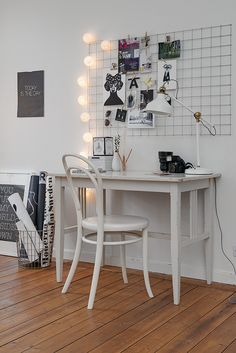 above working desk: wire, inspirations, cotton ball lights // http://www.bynoth.nl/a-38312959/licht-aan/lichtslinger-cotton-balls-wit/