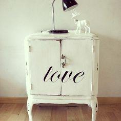 Lovely light table ❤ ❤ ❤  #Love #Vintage