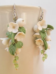 Green jewelry Flower jewelry Handmade necklace by insoujewelry