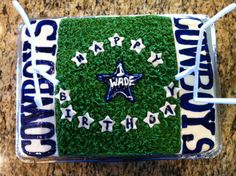 Wades Dallas Cowboys cake