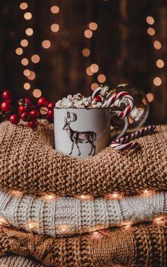 Christmas Collage, Cosy Christmas, Christmas Feeling, Christmas Background, Christmas Time, Christmas Tumblr, Christmas Movies, Xmas Wallpaper, Christmas Phone Wallpaper