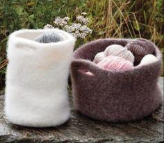 Toving av strikkede plagg og gjenstander - av Tusen Ideer Baby Boy Knitting, Crafty Craft, Wool Felt, Mittens, Troll, Bean Bag Chair, Knitted Hats, Needlework, Knit Crochet
