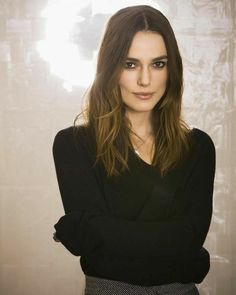 Keira Christina Knightley, Keira Knightley, My Kind Of Woman, Celebs, Celebrities, Cute Woman, Aesthetic Fashion, Celebrity Style, Hollywood