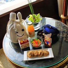 At Island Shangri-La, #HongKong, we love to greet our Junior VIPs with these welcome amenities - what do you think your child would enjoy most?