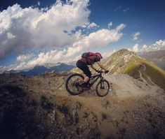 """Adrenalin unter em ... #MTBswitzerland #throughback via @gotoalps: """"The Season is on full speed and we can't wait for the MTB weekend """" #inlovewithswitzerland #mtb"""