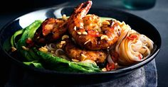 Dinner and short on time? Rev up the flavour and serve up this tasty prawn and noodle dish in only 15 minutes.