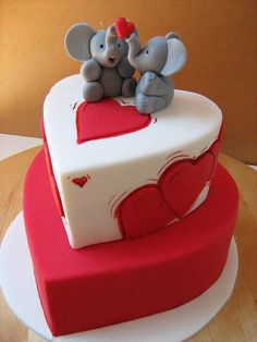 Three of my favorite things--cake, hearts and elephants! (Next year's Valentine cake? Pretty Cakes, Cute Cakes, Beautiful Cakes, Amazing Cakes, Unique Cakes, Creative Cakes, Simple Cakes, Fondant Cakes, Cupcake Cakes