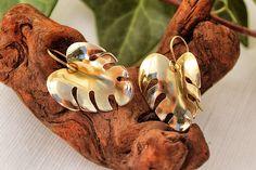 Boho Leaf Earring, Brass Hammered Monstera sculpture Earrings, Elf Jewelry Ancient Greek Jewelry Handmade hurrican Fantasy Earrings Elegant de AshtartJewelry en Etsy