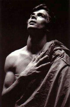 Picture of Rudolf Nureyev Ballet Boys, Male Ballet Dancers, Most Beautiful Words, Ballet Beautiful, Margot Fonteyn, Dance Magazine, Vintage Ballet, Nureyev, Russian Ballet