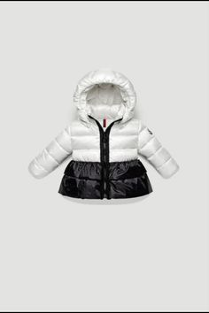 a99ba6f032b4 Moncler offers you a fine collection of clothing
