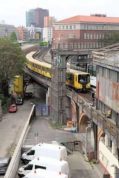 - U-Bahn Berlin - Berlin Today, Berlin Germany, Berlin City, Berlin Berlin, Underground Tube, Model Railway Track Plans, Third Rail, Old Steam Train, S Bahn