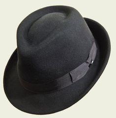 Cappello in feltro Stetson  #cappello #hats #hat #accessories #classic #winter #fall #elegant #unisex #style #fashion #black #luxury #red #grey #blue #beige  #stetson