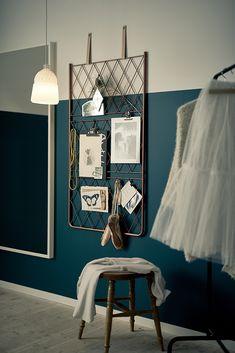 Maak je eigen inspiratiemuur / Create your own inspiration wall - visualiseer… Two Tone Walls, Home Decor Inspiration, Decoration, Home Projects, Home Accessories, Home Furniture, Wall Decor, House Design, Interior Design