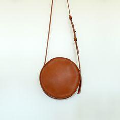 Sara Barner: Image of Circle Bag