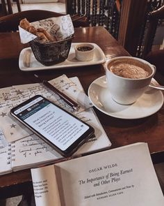 Image about photography in STUDY 📝📚📖 by H e a r t b e a t Coffee Shop Aesthetic, Book Aesthetic, Vie Motivation, Study Motivation, College Motivation, College Aesthetic, Study Organization, Study Space, Study Hard