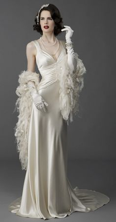1000 images about old hollywood glam wedding on for Hollywood glam wedding dress