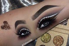 Hand Makeup, Makeup Art, Makeup Tips, Beauty Makeup, Hair Beauty, Makeup Ideas, Eyeshadow Looks, Makeup Eyeshadow, Cut Pic