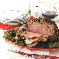 Herb-Crusted Prime Rib Prime rib always makes an impression on a holiday dinner table. But it's actually easy to prepare. This roast is wonderfully flavored with a prime rib rub featuring lots of fresh herbs. Rib Recipes, Dinner Recipes, Cooking Recipes, Dinner Ideas, Recipies, Healthy Recipes, Carne Asada, Herb Crusted Prime Rib Recipe, Christmas Dinner Menu