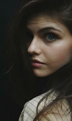 - you're invited - Beautiful Alexandra Daddario Alexandra Daddario, Beautiful Eyes, Most Beautiful, Beautiful Women, Hollywood Celebrities, Hollywood Actresses, Non Blondes, Beautiful Actresses, Beleza