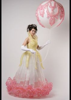 Dress Balloon Dress, Balloon Flowers, Ballon Decorations, Balloon Modelling, Crazy Outfits, Balloon Animals, Big And Beautiful, Body Painting, Wearable Art