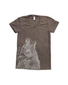 Wolf print on t-shirt