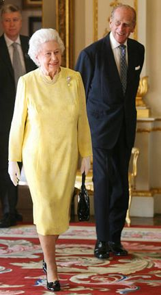 Queen Elizabeth II and Prince Philip, Duke of Edinburgh attend a reception held to recognise the work of the Commonwealth Education Fund (CEF) Royal Uk, Royal Queen, King Queen, Queen And Prince Phillip, Prince Philip, Kate Middleton, British Royal Families, Her Majesty The Queen, Queen Of England