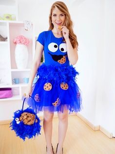 12 DIY Halloween costume for women. Try these easy DIY costume to spark at Halloween nights party. These 12 beautiful Halloween costume for girls will give you lots of goosebumps. Best Diy Halloween Costumes, Easy Diy Costumes, Hallowen Costume, Easy Last Minute Costumes, Creative Costumes, Homemade Costumes, Halloween Ideas, Group Halloween, Diy Halloween Costumes