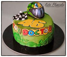 Valentino Rossi Helmet, Valentino Rossi 46, Buttercream Filling, Chocolate Buttercream, Themed Birthday Cakes, Themed Cakes, Dad Cake, Edible Printing, Vanilla Sponge