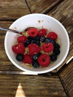 Loaded Berry Oatmeal! Breakfast for Lunch @ #hannahsGFA !