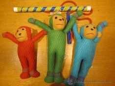 los monos saltarines, en mi dormitorio...pasándolo pipa con mis hermanas. El mío el rojo!