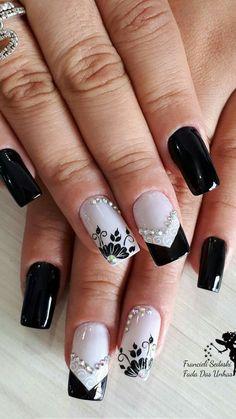 New Nails Art Acrylic Flowers Ideas Black Nails, Matte Nails, Acrylic Nails, Finger, Castor Oil For Hair, Best Lipsticks, Acrylic Flowers, Diy Nail Designs, New Nail Art