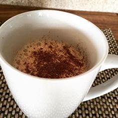 Bom dia!!! Café turbinado antes da academia  café com óleo de côco e nata!!! #lowcarb #lchf #paleo #highfat #comidadeverdade #sugarfree #lactosefree by dryka__araujo