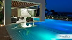 "Piscina com Revestimento ""Diamante"", exclusivo da Cristal Pool."