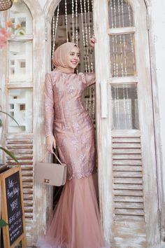 Kebaya Muslim, Kebaya Modern Hijab, Dress Brokat Modern, Model Kebaya Modern, Kebaya Hijab, Kebaya Dress, Muslim Gown, Mermaid Bridesmaid Dresses, Mermaid Dresses