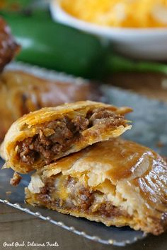 Cheesy Ground Beef Empanadas loaded with two types of cheese and deliciously seasoned meat then baked. Cheesy Ground Beef Empanadas loaded with two types of cheese and deliciously seasoned meat then baked. Mexican Dishes, Mexican Food Recipes, Gourmet Recipes, Cooking Recipes, Healthy Recipes, Recipes Dinner, Easy Recipes, Healthy Food, Ground Beef Dishes