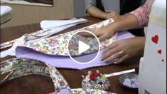 Sewing For Beginners Sewing Hacks, Sewing Tutorials, Sewing Crafts, Sewing Patterns, Sewing Ideas, Cute Makeup Bags, Diy Bags Purses, Fabric Bags, Sewing Notions