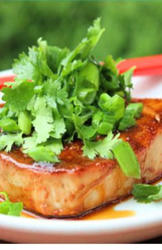 Low FODMAP and gluten free recipes - Tuna steak with wasabi mash -- http://www.ibs-health.com/low_fodmap_tuna_wasabi_mash.html