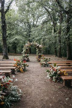 Intimate and Natural Italian Wedding at Borgo Pignano Woodland Wedding, Boho Wedding, Dream Wedding, Natural Wedding Decor, Farm Wedding, Garden Wedding, Wedding Goals, Wedding Planning, Wedding Venues