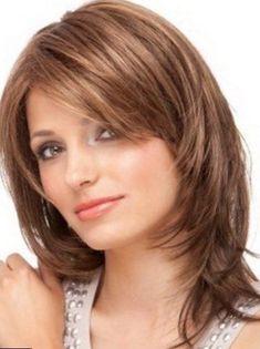 Coupe de cheveux degrade demi long